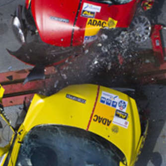 ADAC - Crashtest: Beim Realunfall ist vieles anders
