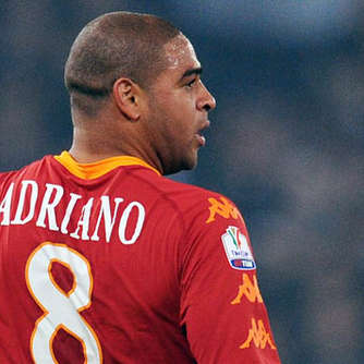 AS Rom will Adriano rauswerfen