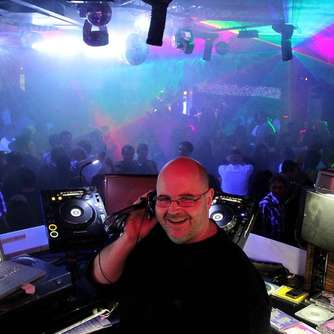 Club-Reloaded-Party: 1300 tanzten zur Musik von DJ Harry