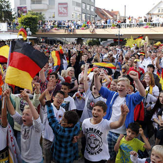 Achtelfinale heute live in der Fan-Arena - Video