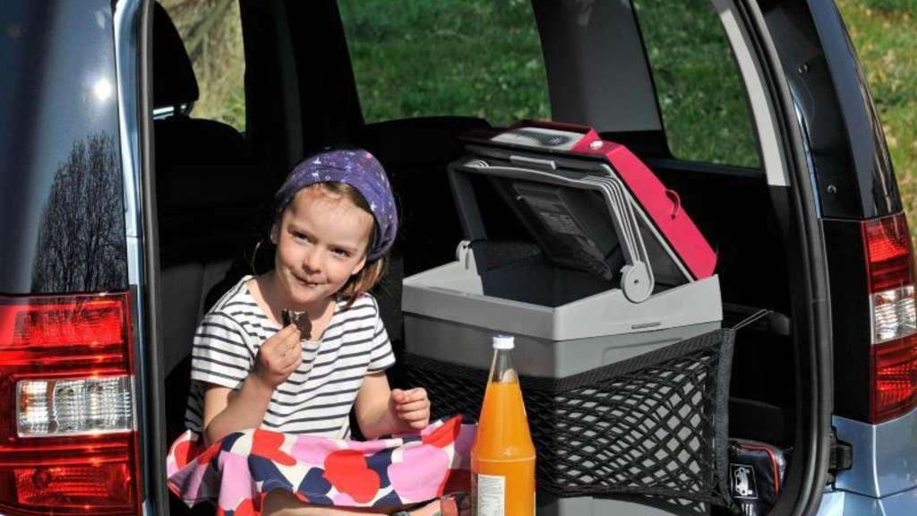 Drei Zimmer Küche Proviant : Unterwegs eiskalt genießen: auto kühlboxen halten den proviant