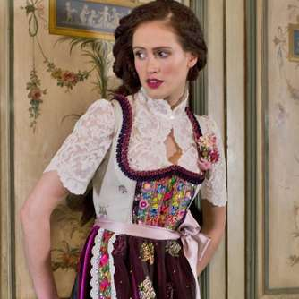 Fotostrecke: O'zogn is - Traditionelle Dirndl sind wieder in Mode
