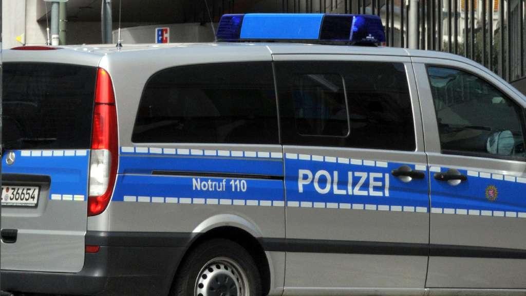 Polizei sucht Zeugen vom Arolser Herkules-Parkplatz | Bad