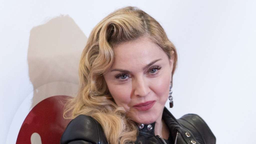 Madonna Konzert Brust Teenager