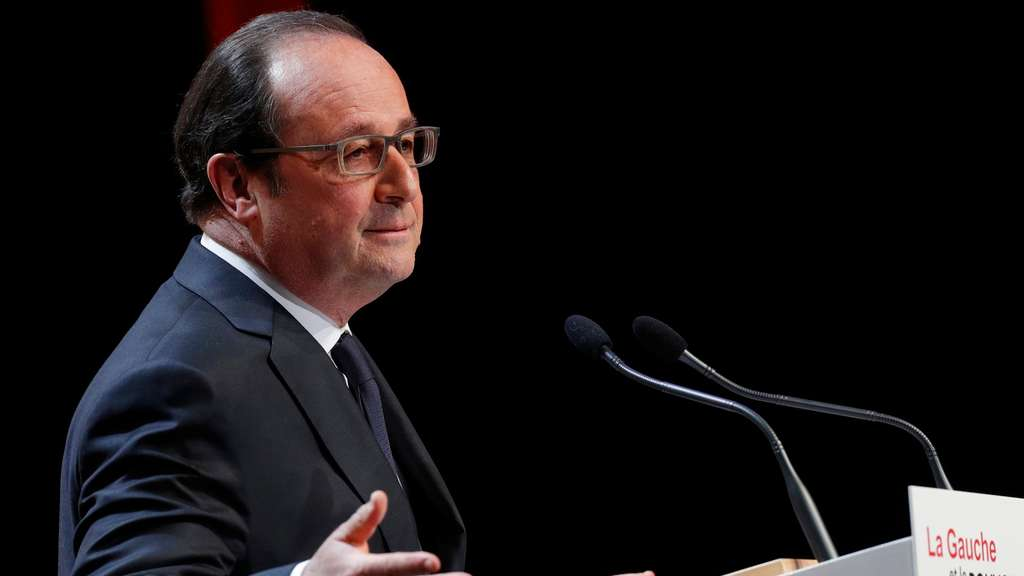 epa05288404 French President Francois Hollande delivers a speech during the conference &#39French Left and Governing&#39 at the Jean-Jaures Foundation in Paris, France, 03 May 2016. EPA/PHILIPPE WOJAZER/POOL +++(c) dpa - Bildfunk+++