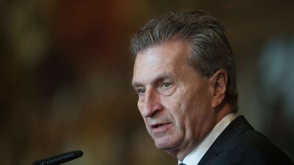 oettinger sch tzt kosten durch brexit auf eine milliarde. Black Bedroom Furniture Sets. Home Design Ideas