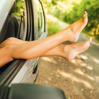 Nackt auto fahren video