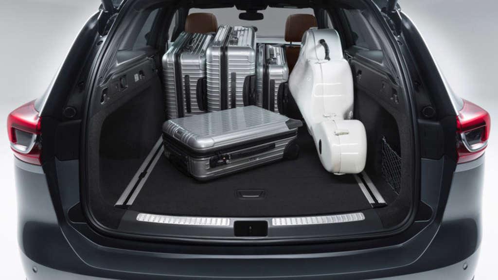 der neue opel insignia sports tourer bietet viel platz. Black Bedroom Furniture Sets. Home Design Ideas