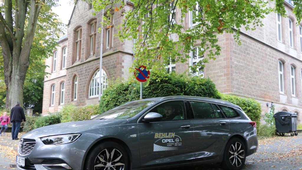 Der Neue Opel Insignia Sports Tourer Bietet Viel Platz Komfort Und