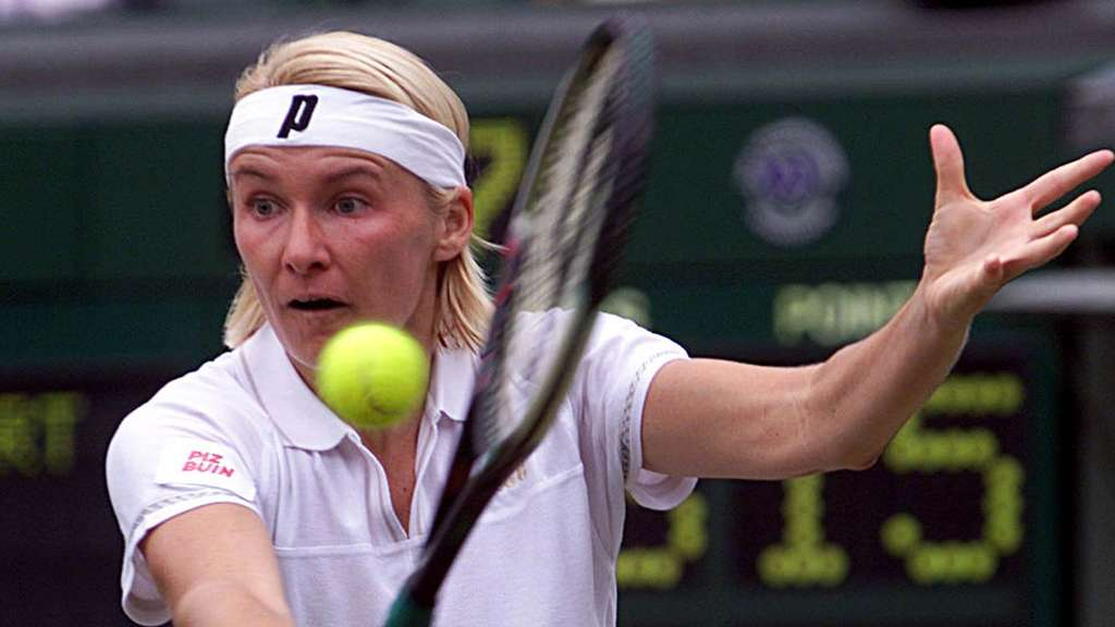 Jana Novotna im Juli 1999 in Aktion in London.
