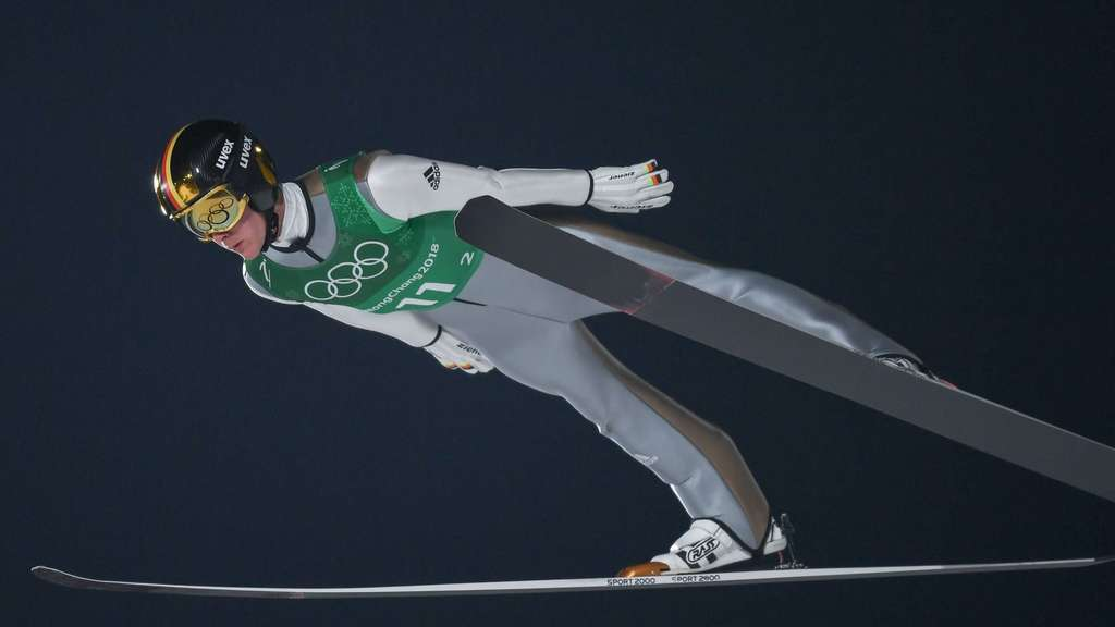 19 February 2018, South Korea, Pyeongchang, Olympics, Ski Jumping, Men&#39s Large Hill Team, Alpensia Ski Jumping Centre: Stephan Leyhe from Germany during his trial jump. Photo: Daniel Karmann/dpa | Verwendung weltweit
