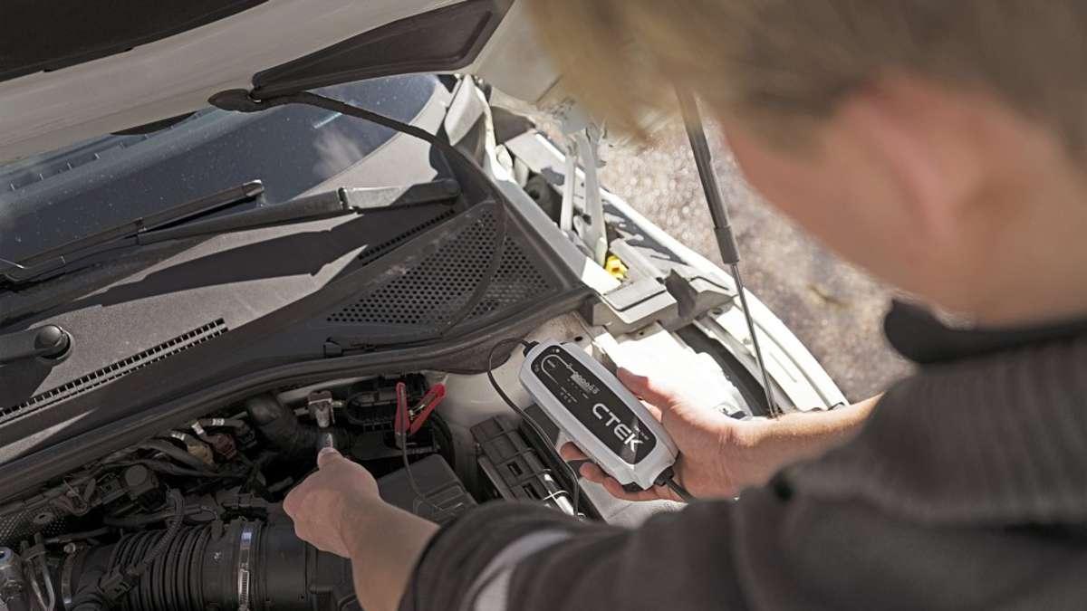 batterielader unter 100 euro im test billigprodukte nur bedingt empfehlenswert auto. Black Bedroom Furniture Sets. Home Design Ideas