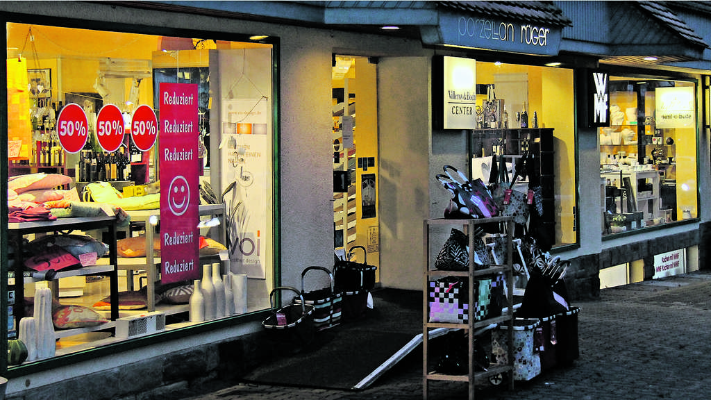 Schaufenster Porzellan Rüger in Bad Arolsen