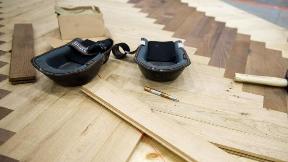 helles parkett f r kleine zimmern verwenden wohnen. Black Bedroom Furniture Sets. Home Design Ideas